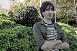 Tomeu Canyelles: «Los jóvenes de los 60 buscaban el beat, pero Franco imponía a Manolo Escobar»