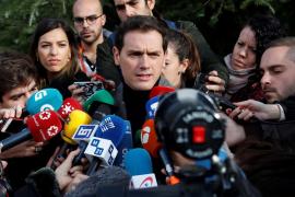 Rivera apela a los «moderados» para desbloquear el país