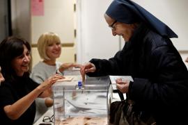 Monja Hija de la Caridad vota por primera vez