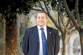 """Ángel L. Encinas: """"De Juníper Serra destaco su espíritu de aventura y lucidez"""""""