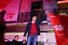 El PSOE resiste, Podemos cae, PP y Vox suben con fuerza y Cs se hunde