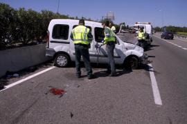 Dos ancianas heridas al volcar la furgoneta de la asociación de 'Gent Gran' en la que viajaban