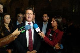 Valls apunta a Arrimadas como sustituta de Rivera