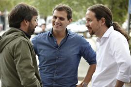 Jordi Évole, con Albert Rivera y Pablo Iglesias en 2015