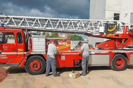 La falta de bomberos en Palma costó unos 700.000 euros en horas extra los últimos tres meses