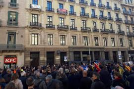 Concentración ante el consulado de Francia en Barcelona