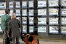 La compraventa de viviendas encadena más de un año de descensos en Baleares