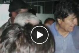 Difunden las imágenes de un emocionado Evo Morales antes de dejar Bolivia