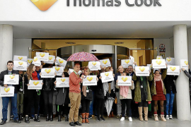 El fin laboral de los trabajadores de Thomas Cook en Palma se hace esperar