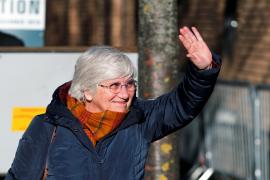 Clara Ponsatí se entrega a la justicia escocesa
