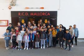 Alumnes del CEIP Es Secar de la Real varen visitar Son Moix i Grup Serra