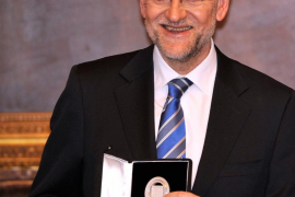 Rajoy considera superada la polémica en torno al Rey