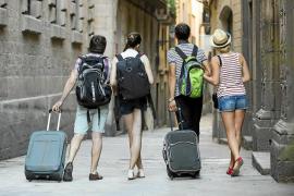 Barcelona prohíbe la apertura y ampliación de pisos turísticos