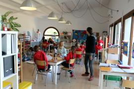El Gobierno paga 1,6 millones de euros a familias que tuvieron que matricular a sus hijos en centros privados para que pudiesen estudiar en castellano
