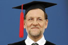 Rajoy: «Pido un pequeño esfuerzo; no hay dinero para servicios públicos»
