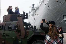 La visita al buque 'Juan Carlos I' en Ibiza, en imágenes (Fotos: Daniel Espinosa).