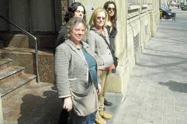 Los editores presionan al personal del Espai Mallorca para que retire la demanda