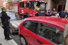 Rescatan a una menor encerrada dentro de un coche en Palma