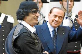 Berlusconi dice que las chicas se vestían de monja porque «son exhibicionistas»