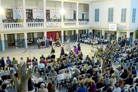 Fiesta multitudinaria en las Escolapias de Palma en honor a su fundadora