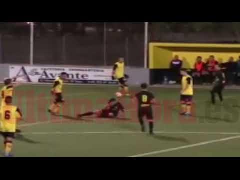 Las imágenes de la brutal agresión de un jugador del Son Sardina B a un rival
