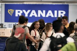 Declaran nulo que Ryanair cobre suplemento cuando se viaja con bolso de mano y maleta