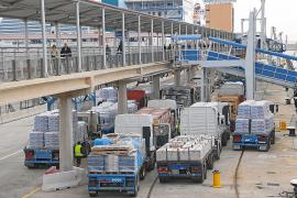 Los portes marítimos se encarecerán más del 10 % y afectarán a todos los productos