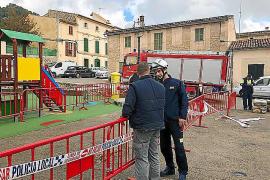 Acordonan la Plaça Major de Caimari al detectar que se hunde una zona