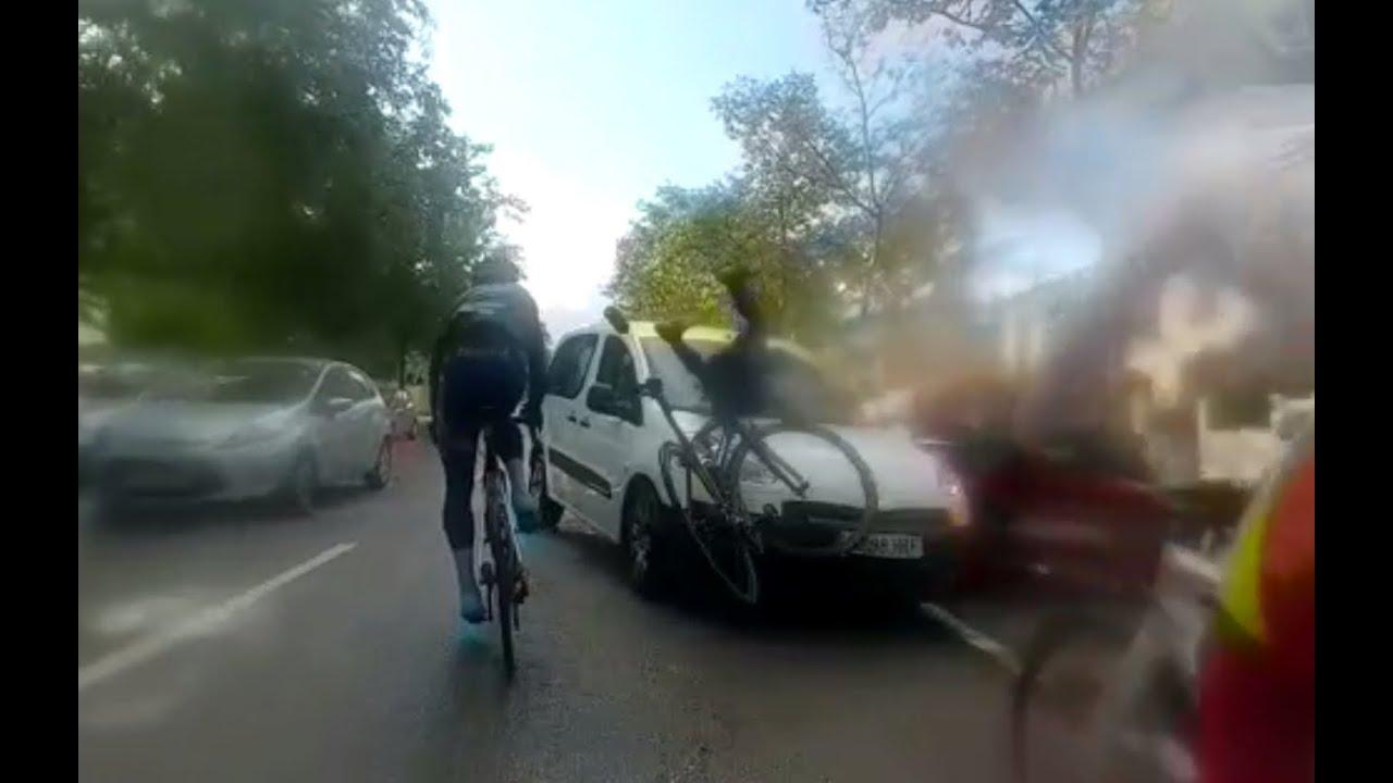 Atropella a tres ciclistas y se da a la fuga en Palma