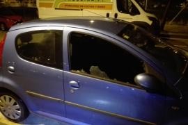 'Cazado' en Palma robando dentro de un coche
