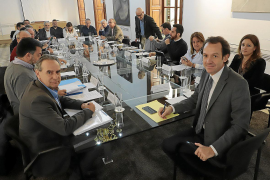 Los puertos de Baleares reducirán tasas a las navieras para evitar subidas de precios
