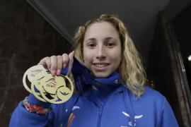 Aina Hierro, una nadadora de oro
