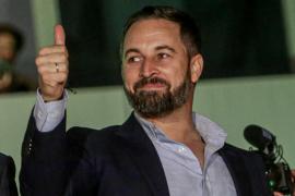Abascal avisa al PSOE que si negocia la soberanía con ERC acabará en un tribunal