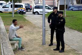 El detenido por la agresión en un parque de Palma olía a quemado y sus manos presentaban restos de hollín