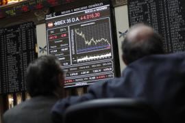 La bolsa española pierde un 2,76 % con la prima de riesgo en máximos anuales