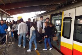 El Parlament balear propone bonificar el transporte público a los usuarios que den de baja su vehículo de motor