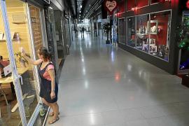 Rechazo a la propuesta de destinar las galerías de la Plaça Major a aparcamiento