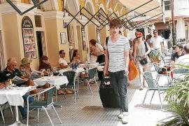 El turismo extranjero bajó un 2% en Balears de enero a marzo