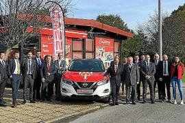 Nissan entregó los coches de la plantilla del Sporting