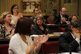 Alberdi defiende la «educación y la cultura»  en su despedida en el Parlament