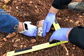 Hallan 38.000 euros enterrados en una finca de Muro