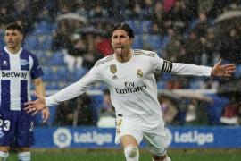 El Real Madrid gana al Alavés y consigue el liderato
