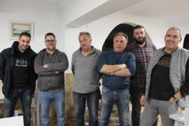 Los trabajadores de Cemex esperan una salida laboral un año después de su cierre