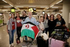 Llegan a Palma los once cooperantes mallorquines destinados en el Sáhara