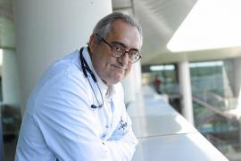 «Habrá una cura del sida pero no será en los próximos diez años»