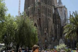 Nadal sorprende a los turistas con una exhibición frente a la Sagrada Familia
