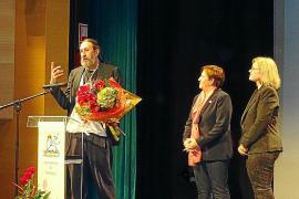Miquel Adrover recibe la Medalla d'Or de Santanyí
