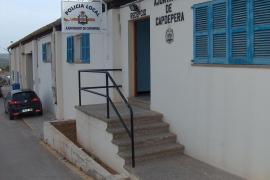 Policías de Capdepera denuncian que les han robado su cafetera dentro del cuartel