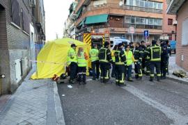 Muere una mujer por un pequeño incendio en su casa en Madrid