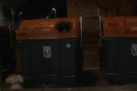 Muere un anciano al tirar la basura y caer dentro del contenedor
